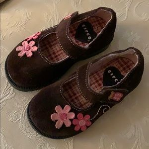 Circo Brown Velcro Mary Jane Shoes size 7